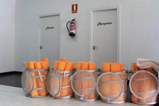 Bikram-Yoga-Spain-Valencia-esterillas-naranjas