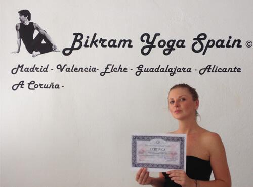 Profesor Bikram Yoga, Ewelina