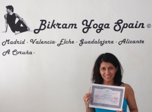 Profesor Bikram Yoga, Jessica