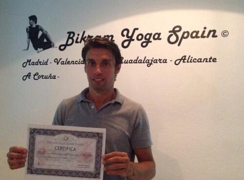 Profesor Bikram Yoga, Jonathan Martín