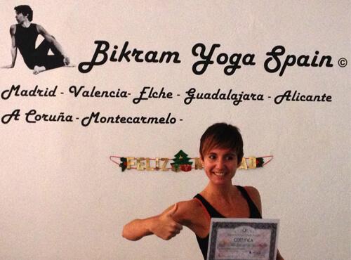 Profesor Bikram Yoga, Nuria