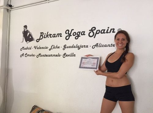 Profesor Bikram Yoga, Esperanza