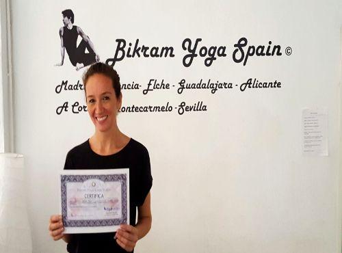 Profesor Bikram Yoga, Natalia Maluenda