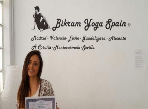 Profesor Bikram Yoga, Marta Castaño