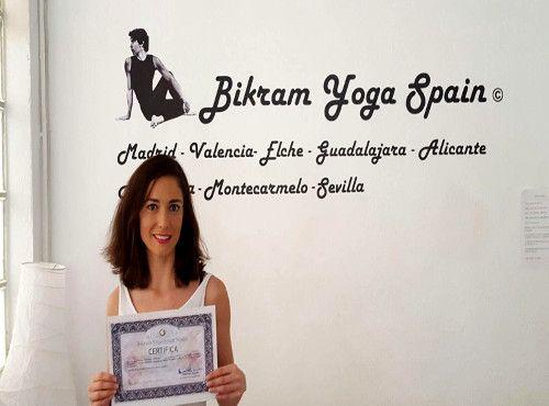 Virginia-Martínez, profesora bikram yoga
