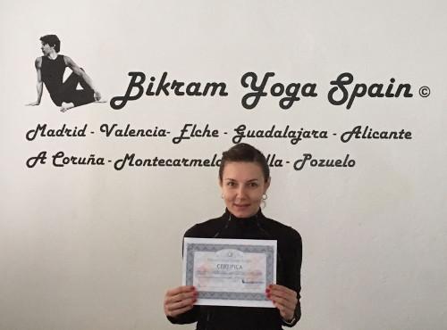 marketa-profesora bikram-yoga
