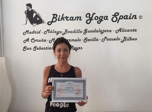 Profesor Bikram Yoga, Arantxa