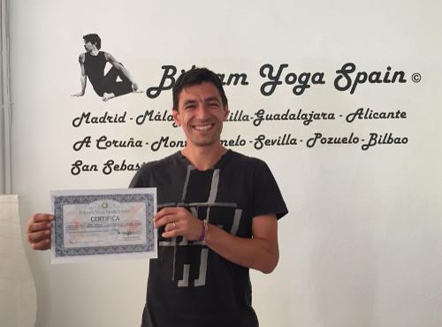 Profesor Bikram Yoga, Pablo Sebastián