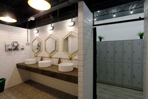 Changing rooms, bathrooms