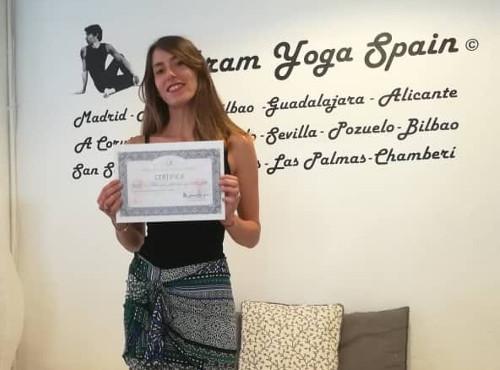 Profesor Bikram Yoga, Clara Mauriño