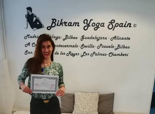 Profesor Bikram Yoga, Lourdes Scala