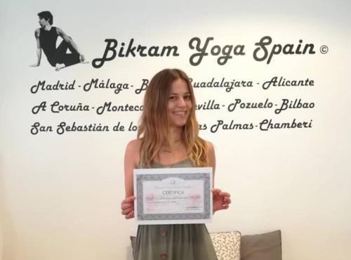 Profesor Bikram Yoga, Key
