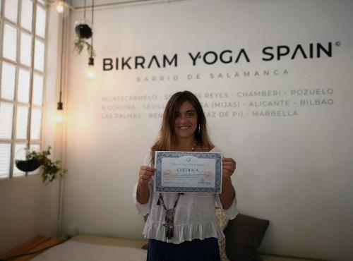 Profesor Bikram Yoga, Carmen Herraiz