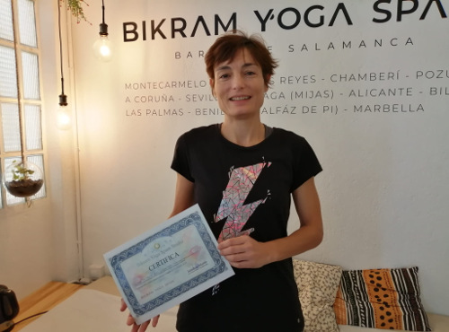 ana-martinez-profesora-bikram-yoga