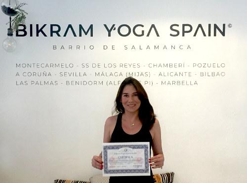 Profesor Bikram Yoga, Ana Chavez